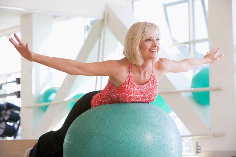 Veja alguns dos benefícios do treino com a fitball