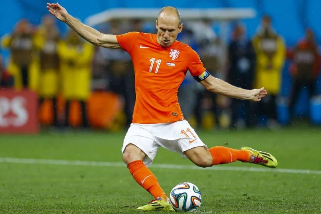 Braços, pescoço e ombros, outros músculos exercitados no futebol