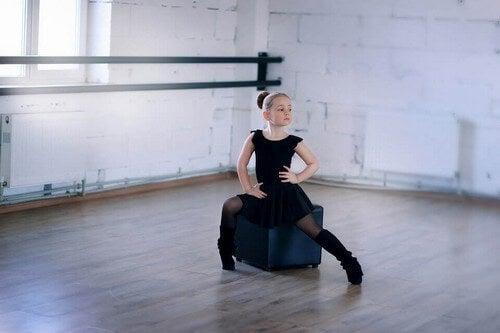 O ballet é uma forma de arte que combina atividade física, sentimentos, teatro e música.Além disso, os bailarinos possuem habilidades incomuns para a maioria das pessoas