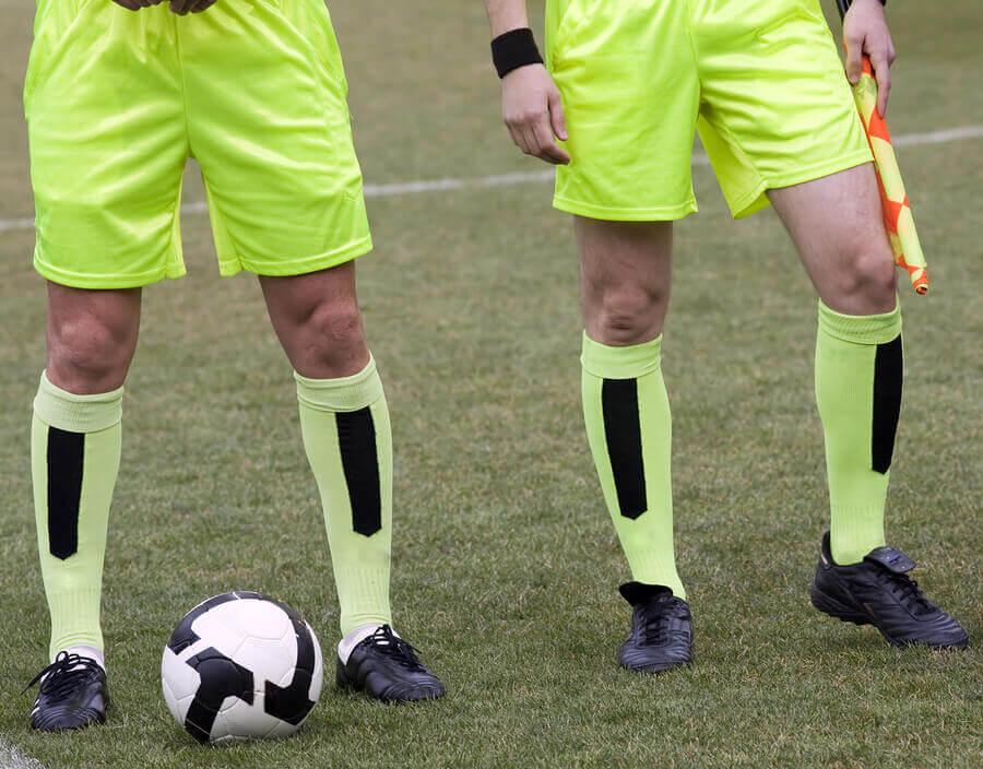 A figura do árbitro assistente no futebol
