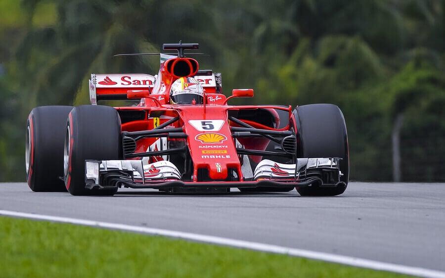 A era híbrida na F1
