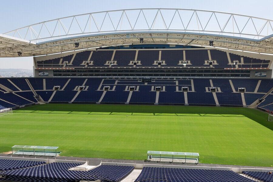 Benfica e Porto: primeiros passos das estrelas do futebol