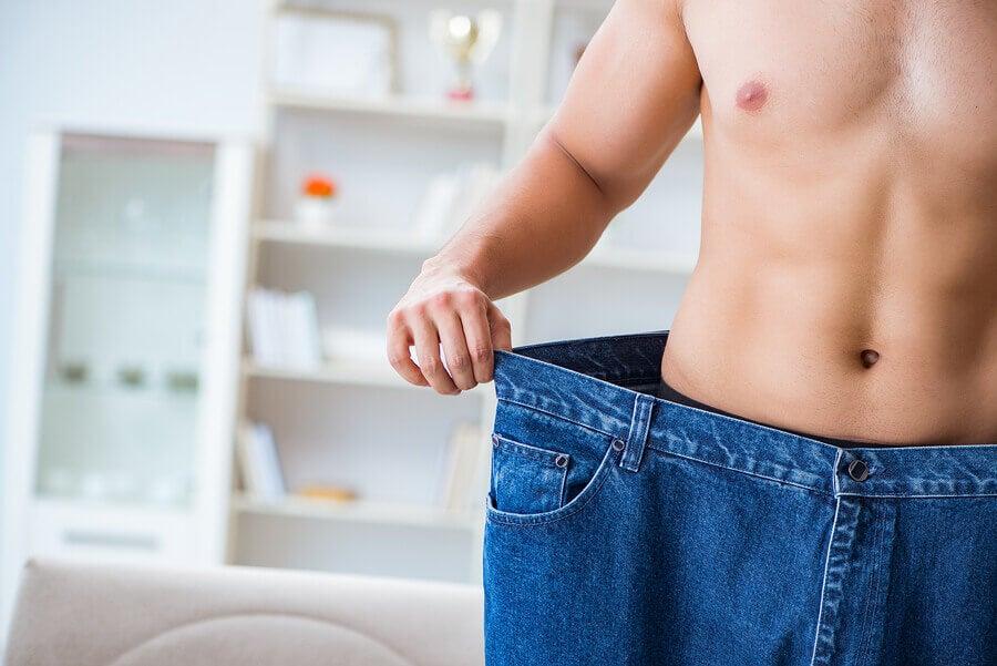 Ingestão de proteínas e restrição calórica para a perda de gordura