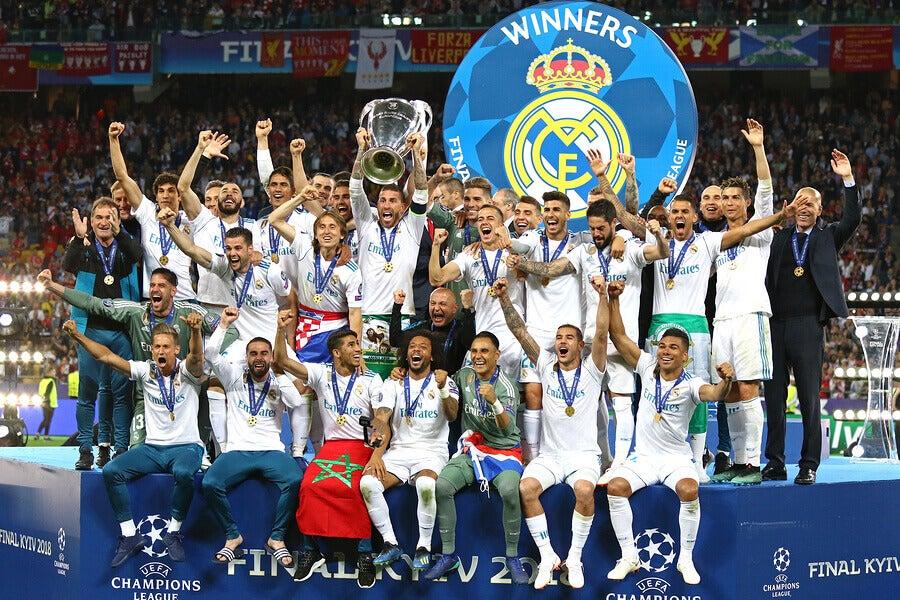 O Real Madrid é o clube com mais títulos internacionais.