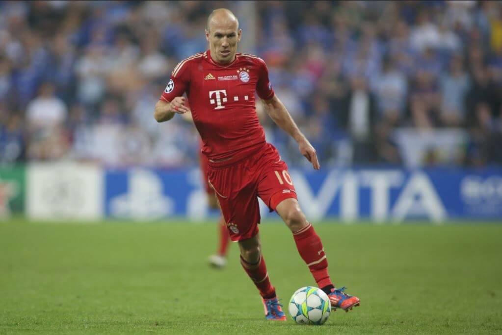 O holandês, Arjen Robben, é um dos poucos centroavantes de vocação que restam no futebol moderno.