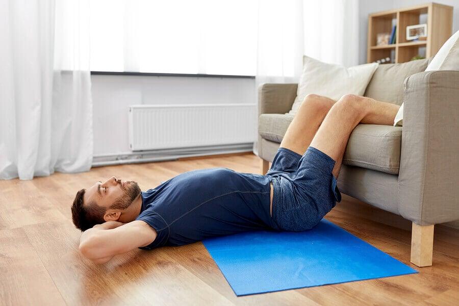 Como fazer exercícios em casa sem usar máquinas
