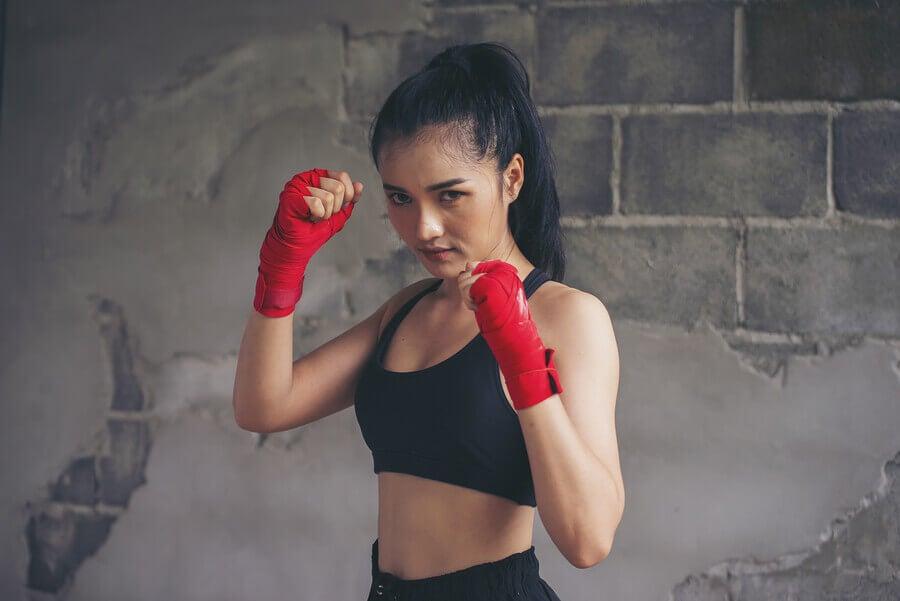Aperfeiçoe corpo e mente com o boxe tailandês
