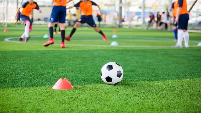 Jogos reduzidos no futebol: efeitos da sua aplicação no treinamento