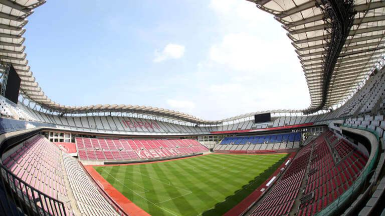 Estádio Kashima visto de dentro.