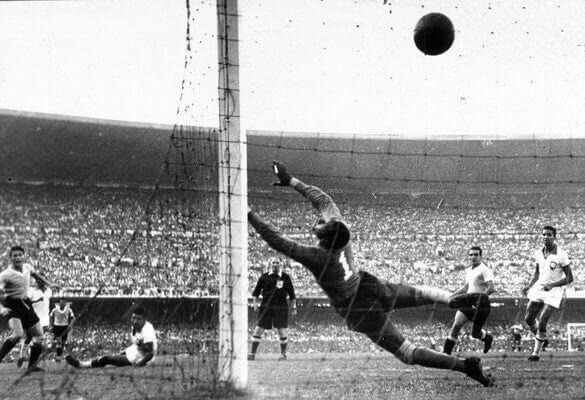 Gol do Uruguai no Maracanaço.