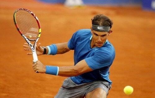 Rafael Nadal atualmente está em segundo lugar no ranking de tenistas e tem nada menos que 19 títulos deGrand Slam