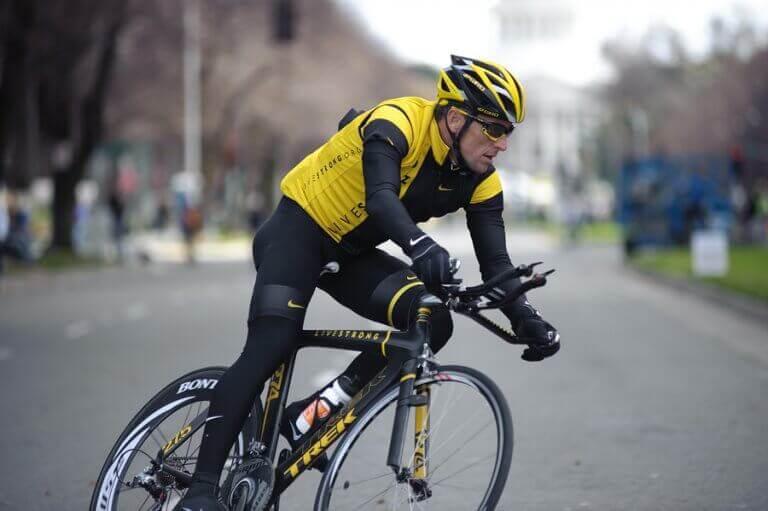 A história de Lance Armstrong: sucesso e doping