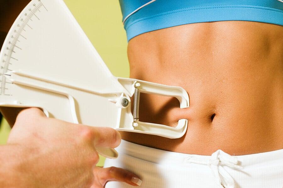 Existem alimentos contra a gordura abdominal?