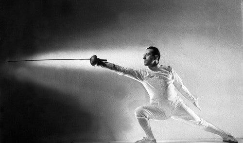 Edoardo Mangiarotti, que nasceu em 1919 e morreu aos 93 anos em 2012, foi um esgrimista italiano especializado nas modalidades florete e sabre