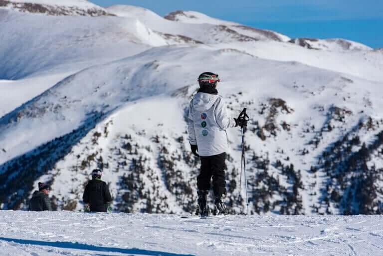 Os melhores destinos para praticar esportes de inverno
