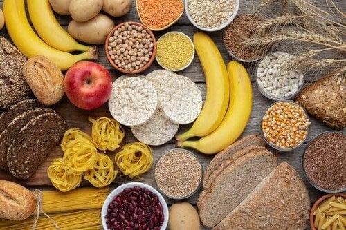 Por que é importante consumir carboidratos?