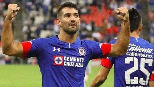 O time Cruz Azul, do México, foi fundado em maio de 1927 pela empresa de cimento Cooperativa Cruz Azul da cidade de Jasso, Hidalgo