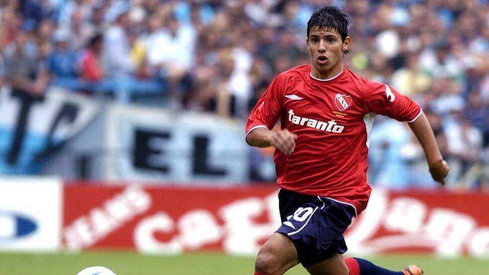 O Independiente é conhecido como El Rojo (O Vermelho) pela cor de sua camisa