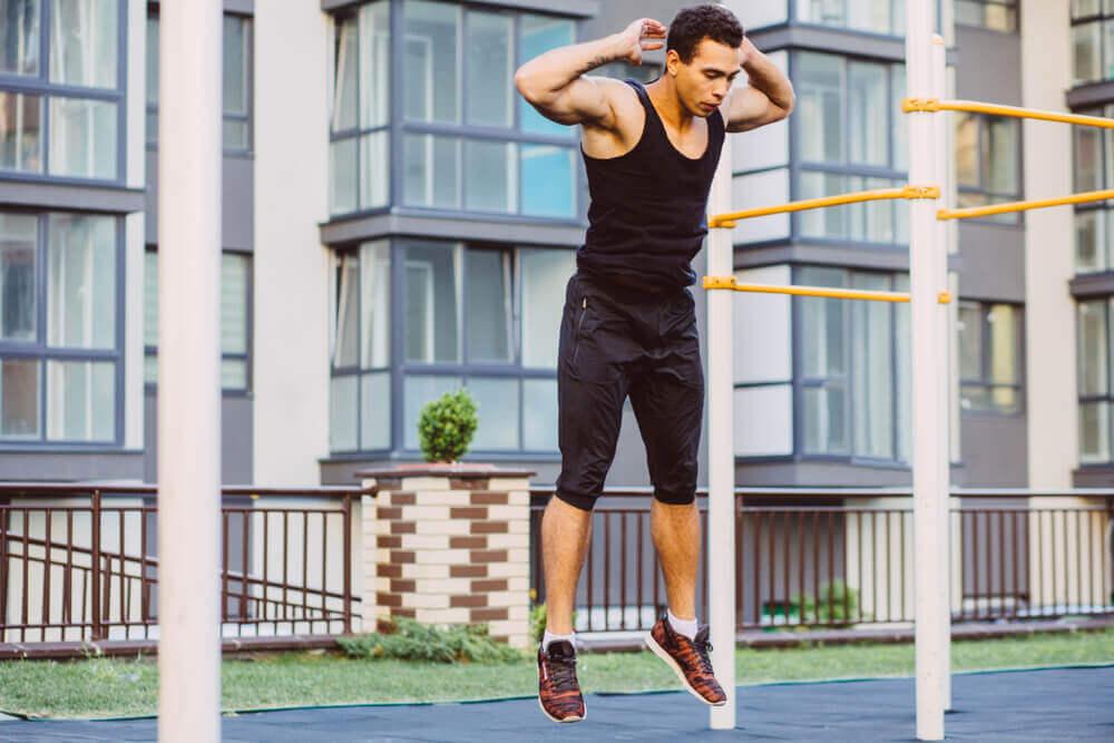 Calistenia: exercícios para fazer em casa com o seu próprio peso
