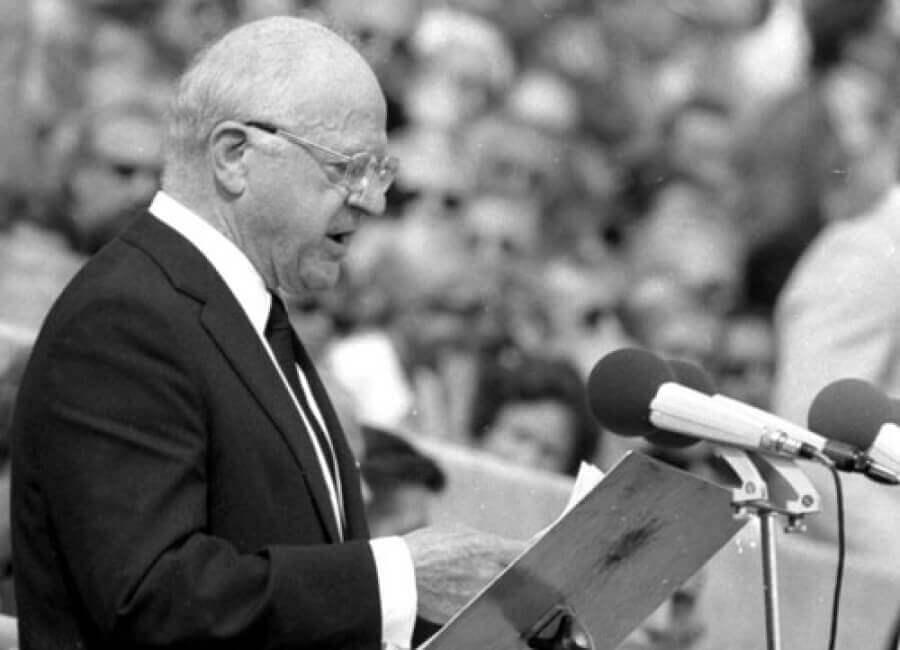 Avery Brundage é mais conhecido por ter se oposto ao boicote aos Jogos Olímpicos de 1936 organizado pela Alemanha nazista.