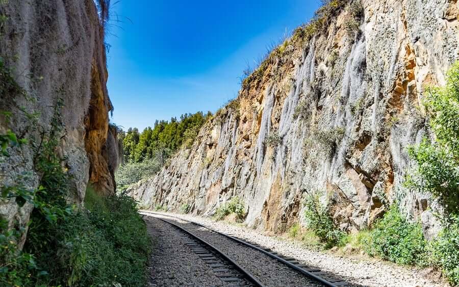 Suesca é o local de escalada mais antigo da Colômbia e está localizado a menos de 60 quilômetros ao norte de Bogotá