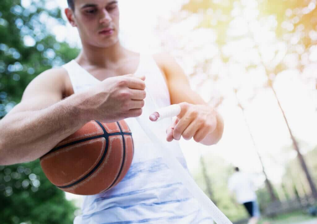 Fratura do metacarpo, uma lesão comum no basquete