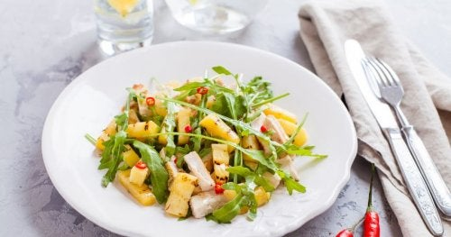 ananaslı tavuk salatası