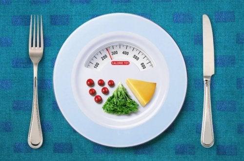 Diyetinizdeki kalorileri azaltın.