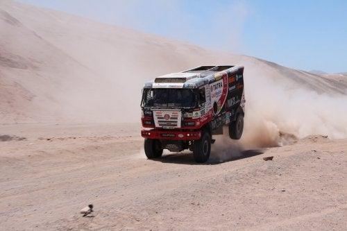 Dakar Rallisindeki kamyon.