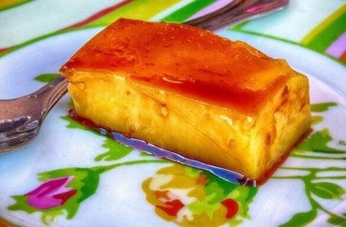 bir tabak krem karamel