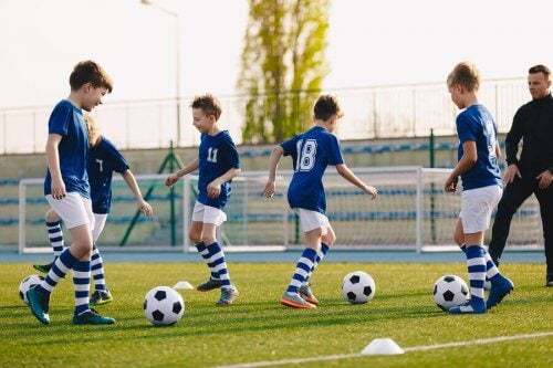 Yetenekli Genç Futbolculara Koçluk Yapmak