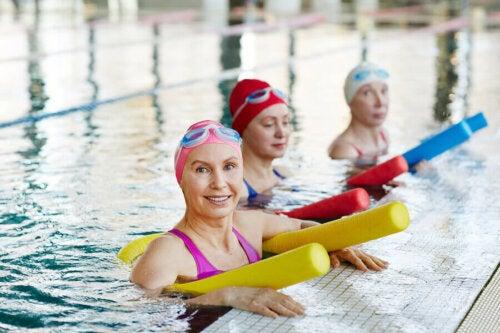Kardiyovasküler egzersizler sadece tecrübeli insanlar için değildir ve aquagym mükemmel bir egzersiz seçeneğidir.