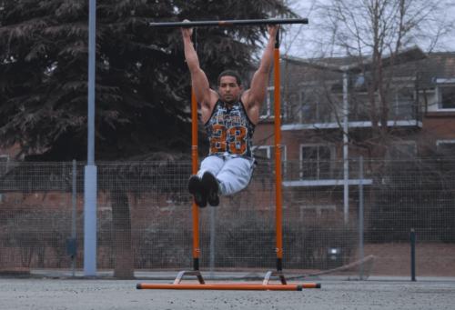 Kadınlar için jimnastik, aynı anda birçok vücut kasını çalıştırmak için mükemmel bir seçenektir.