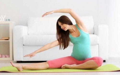 Yoga hamilelik kaygısını yatıştırmak için mükemmeldir.