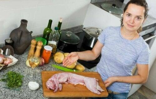 Tavşan Eti Nasıl Pişirilir: İki Lezzetli Tarif