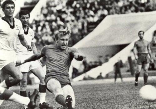 Geçen Yüzyılın En İyi Avrupalı Futbolcuları