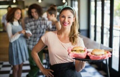 Fast Food'u Daha Sağlıklı Hale Getirmenin 6 Yolu