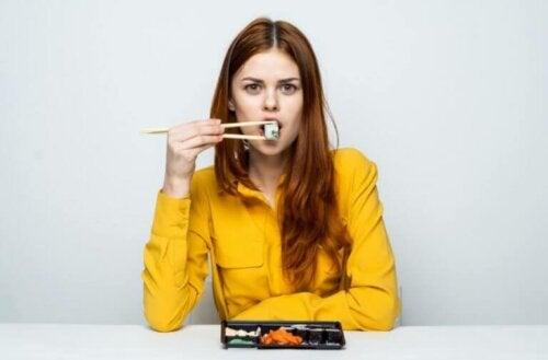 Suşi Sağlıklı Bir Yiyecek Seçeneği Midir?