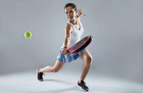Padel Tenisinde Servis Nasıl Yapılır?