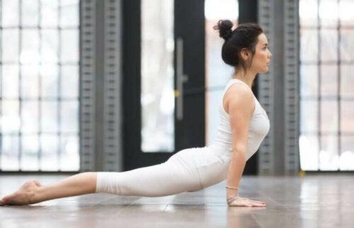 Sırt Ağrısı İçin Faydalı Yoga Duruşları