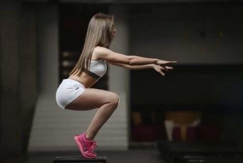 kardiyo egzersizi yapan kadın