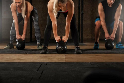 Tüm Vücudu Çalıştırmak İçin Kettlebell ile Egzersiz