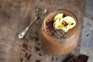 Chialı ve çikolatalı smoothie