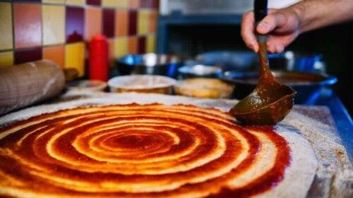 Evde Yapabileceğiniz Az Kalorili Pizza Tarifleri