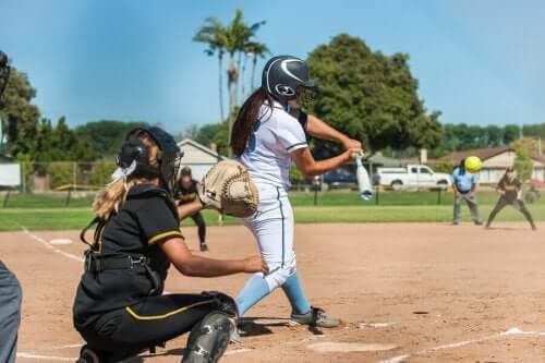 Beyzbol ve Softbol: Benzerlikler ve Farklılıklar
