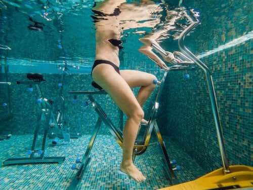 su altı bisiklet kadın
