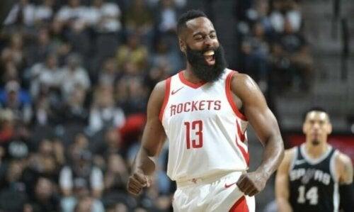 "James Harden, NBA'de Namıdiğer ""Sakal"""