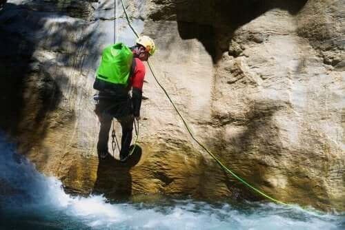 Kanyon Sporlarını Keşfedin: Doğada Tam Vücut Egzersizi