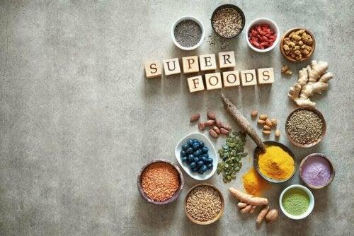Süper Gıdalar Hakkında Bilmeniz Gereken Her Şey