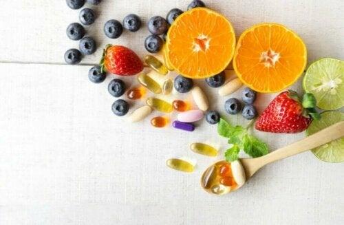 Suda ve Yağda Çözünen Vitaminler Nelerdir?